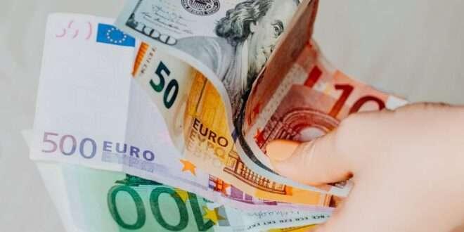 أسعار العملات اليوم في بداية تداولات الشهر الجاري 1 يوليو 2021